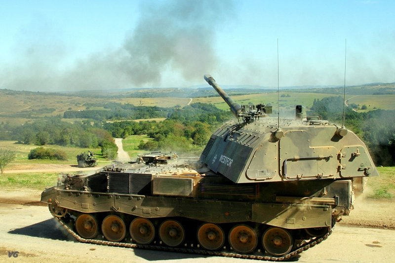 155-миллиметровая гаубица KMW PzH 2000 производства концерна Rheinmetall Group